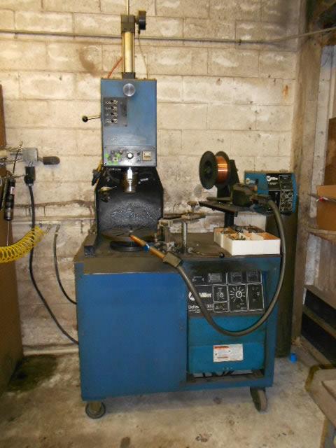torque converter welding machine